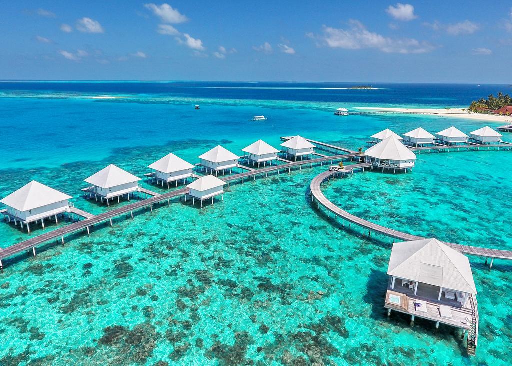 Diamonds Thudufushi Book Early & Save!
