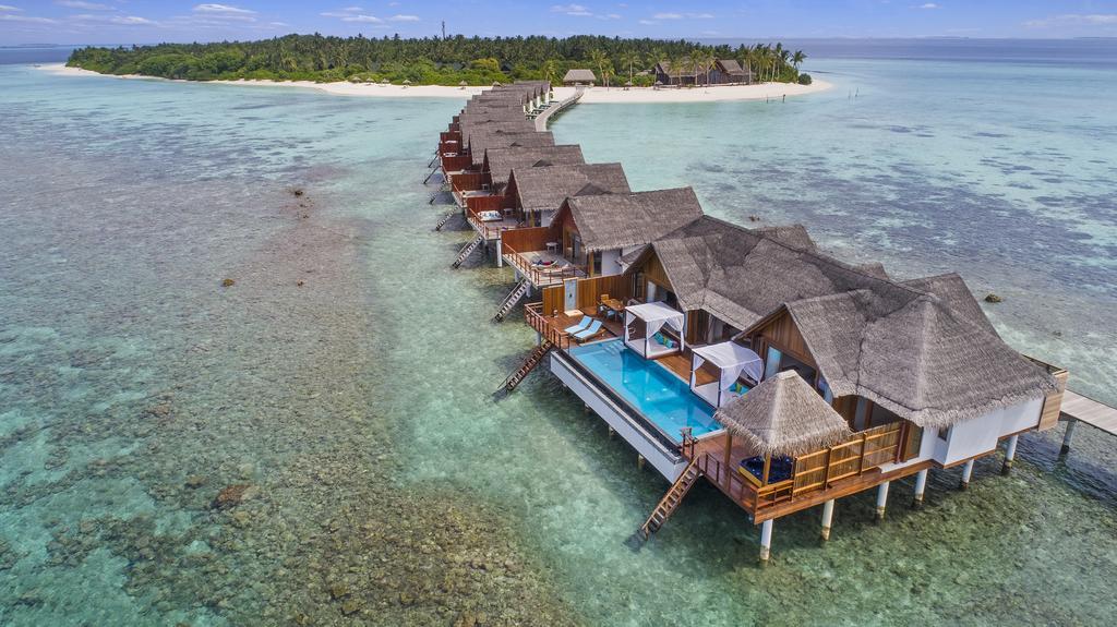 Furaveri Island Resort & Spa Early Summer Offer